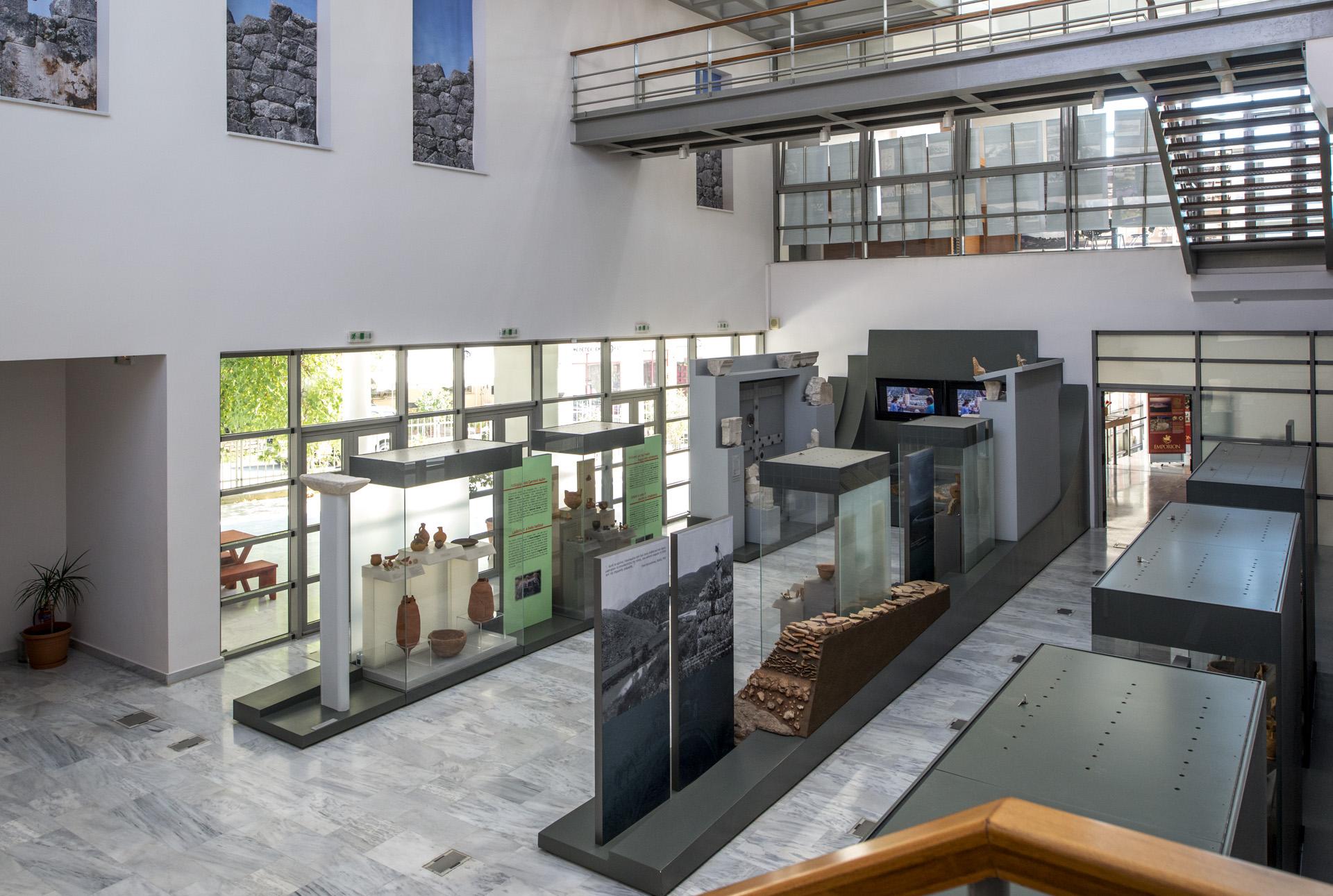 arch ologisches museum von igoumenitsa. Black Bedroom Furniture Sets. Home Design Ideas